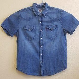 Women's Levi's short sleeve denim button down